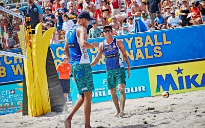 Dalhausser and Lucena jump from wild cards to favorites in Florida
